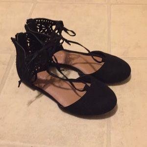Like new girls dress shoes